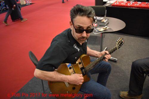 Chris Casello - A Real Cool R´n´R Guitarman (2)