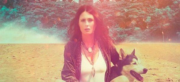"MY INDIGO: Lyricvideo zu ""Crash And Burn"" online"